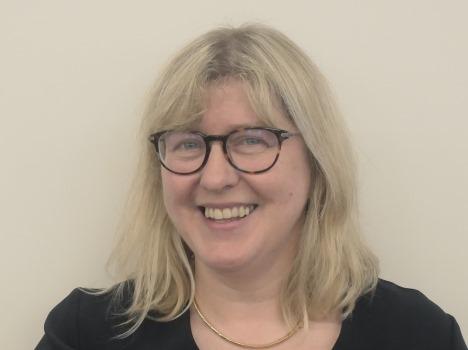 Dr Fiona Cameron
